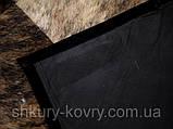 Коричнево бежевый ковер из лоскутов шкуры для современного интерьера, фото 4