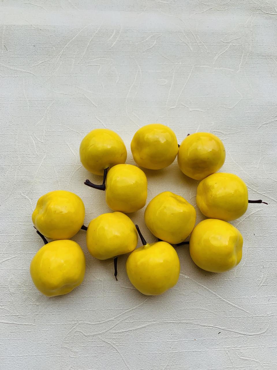 Искусственные яблочки.Яблочки декоративные(желтые)