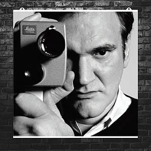 "Постер ""Квентин Тарантино с кинокамерой"". Размер 60x60см (A1). Глянцевая бумага"