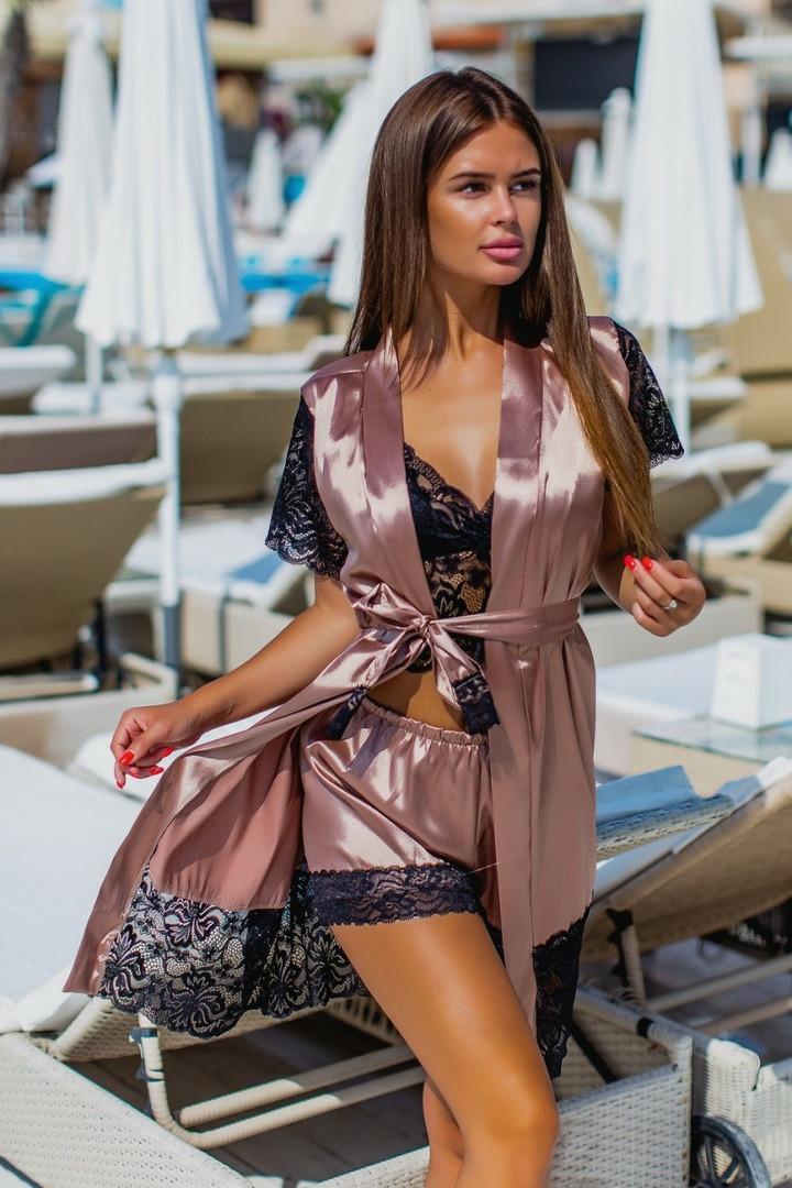 Набор :шелковый халат, кружевной топ и шелковые шорты