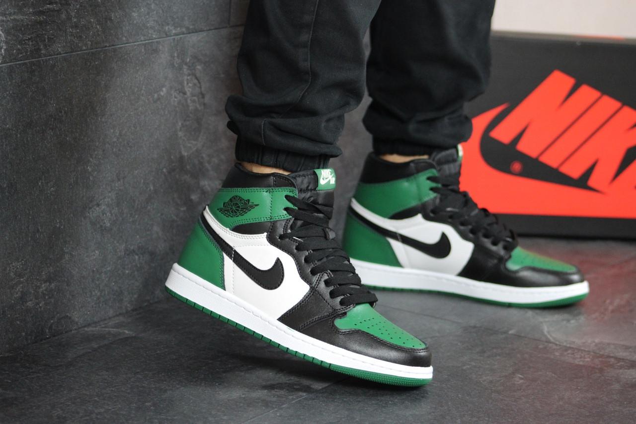 Чоловічі кросівки Nike Air Jordan 1 Retro High OG (біло-чорно-зелений)