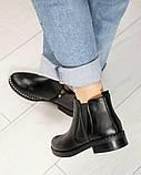 Женские демисезонные ботинки Челси из черной брогированной кожи, фото 6