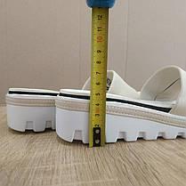 Распродажа! 36-38 Шлепанцы Nike бежевые с черным шлепки тапки тракторная подошва танкетка, фото 2