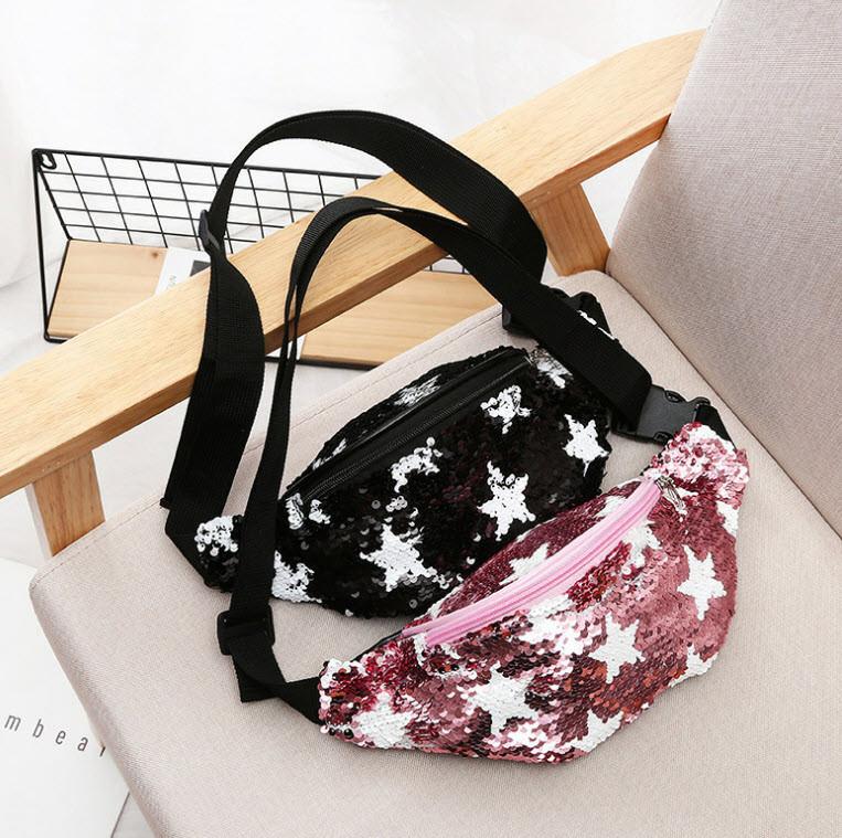 Стильная поясная сумка с пайетками и звездами