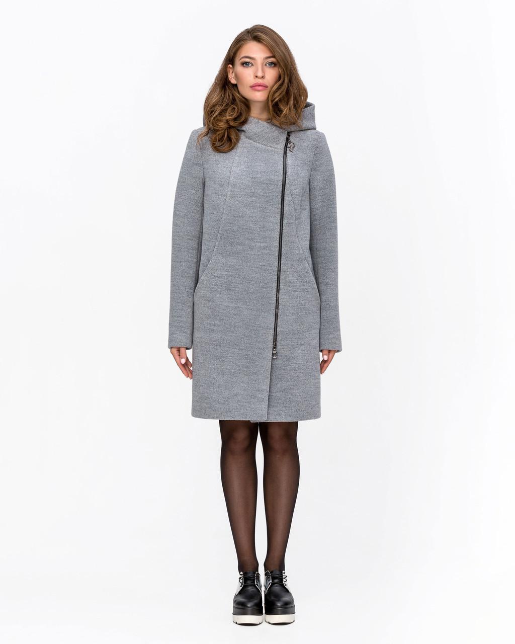 Демисезонное женское пальто на молнии с капюшоном