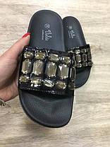 Акция черные шлепки с камнями (уличные тапки) женские в стиле Chanel шлепанцы тапочки, фото 2