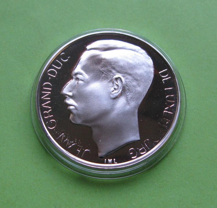 Люксембург 250 франков 1994 г. 50 лет БеНиЛюкса