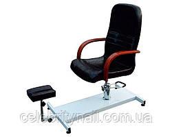 Педикюрное кресло с подставкой для ног
