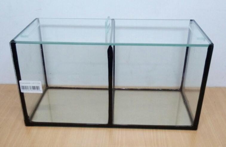 Аквариум прямоугольный для петушков 34*17*17  10л. 2 секции
