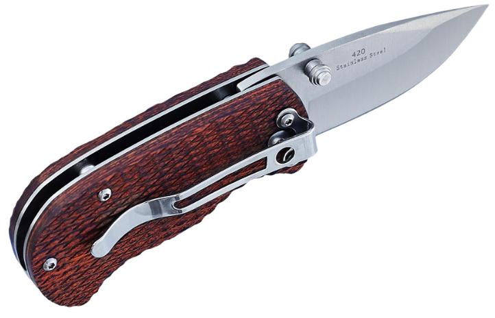 Нож складной с деревянной рукоятью, легкий и надежный, имеет накладки с  подпальцевыми выемками, на каждый ден
