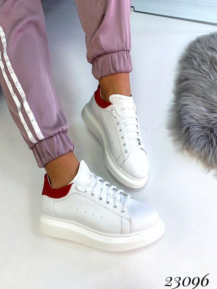 Жіночі кросівки Alexander MQveen червона п'ятка