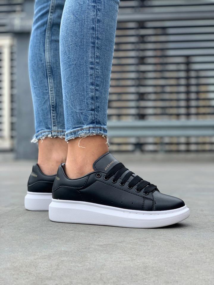 Стильные женские кроссовки Alexander McQueen (Александр Маквин) Black/White