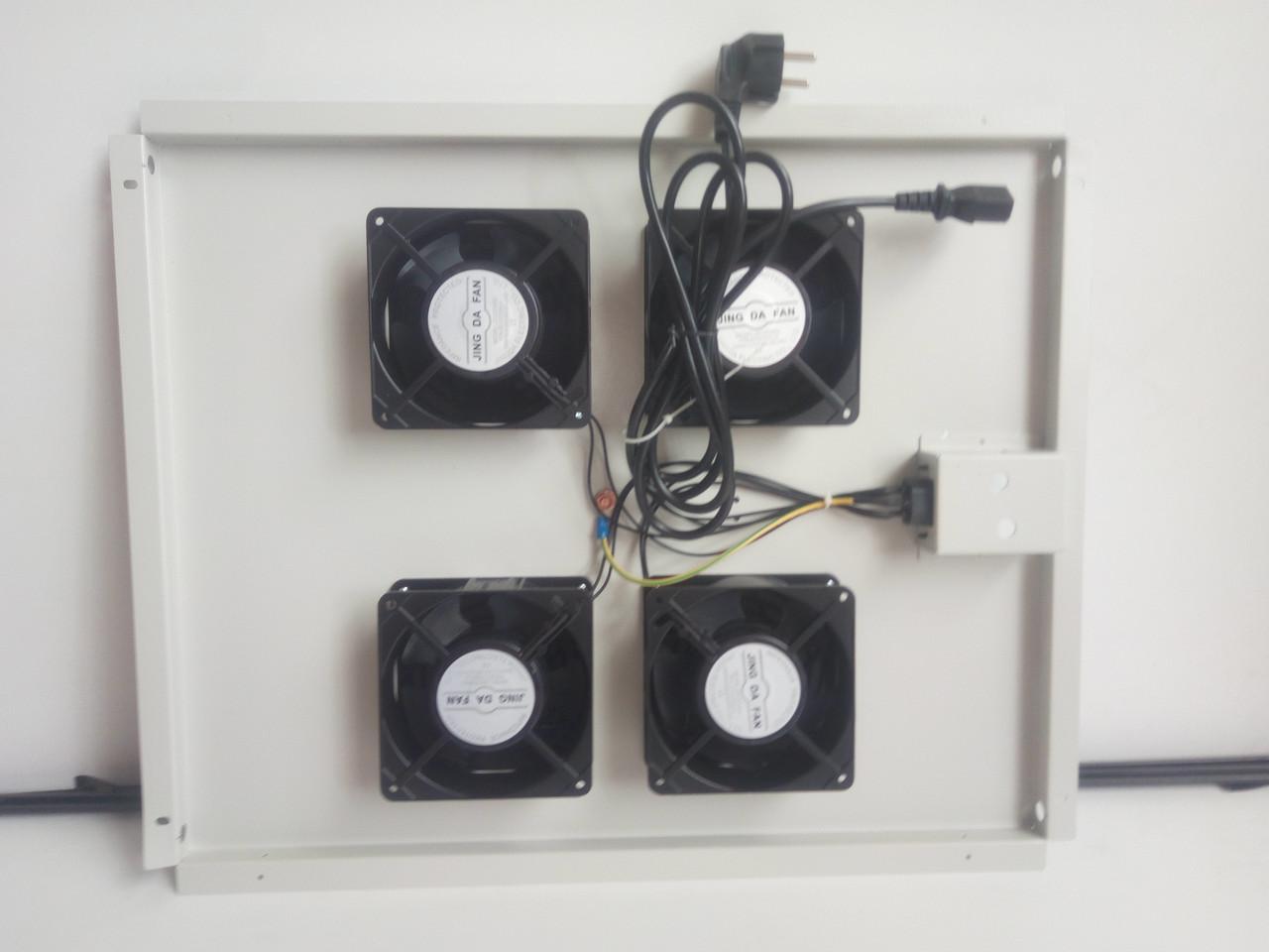 Вентиляторный блок на 4 кулера. 555х450х40мм