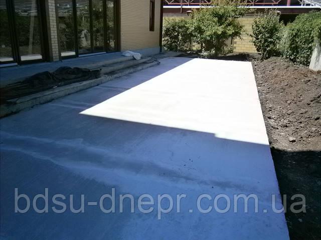 Залить бетоном двор ― фото