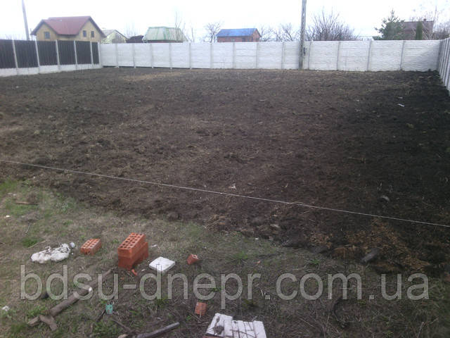 Уборка участка в Днепропетровске недорого