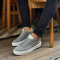 Мужские кроссовки премиум класса замшевые серые с белым на удобной толстой подошве