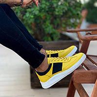 Мужские кроссовки премиум класса желтые с черным на удобной толстой подошве