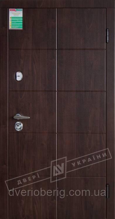Входная дверь Двери Украины Кейс Сити орех Vinorit Riccardi