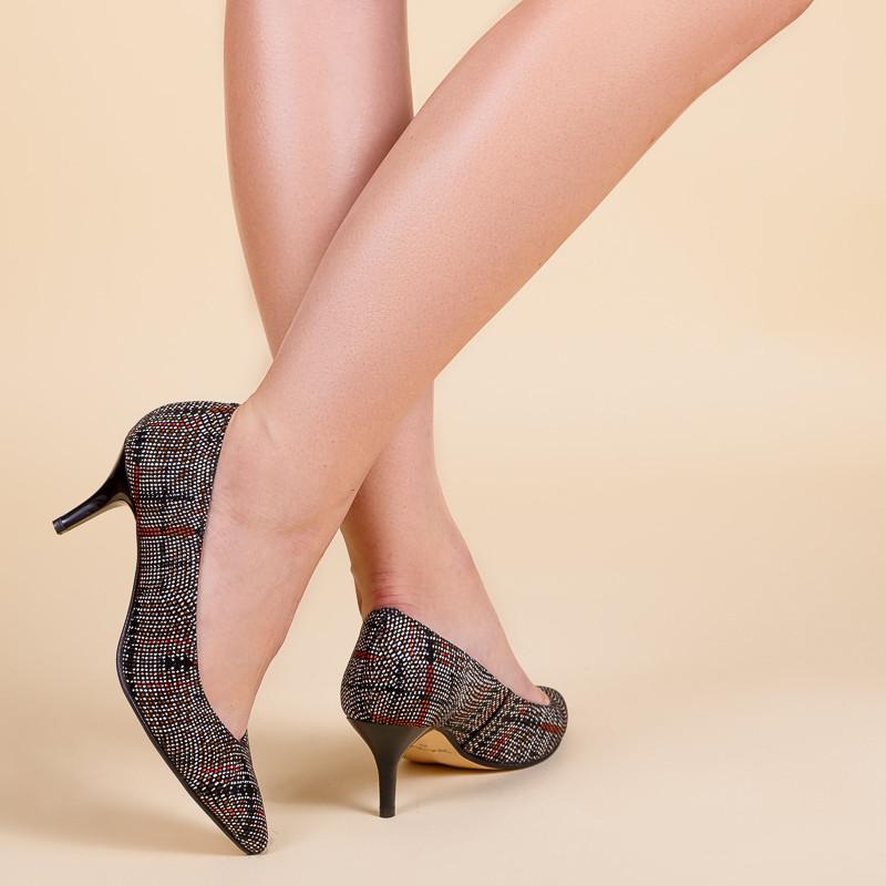 Туфли женские кожаные на маленькой шпильке