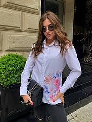 Женская белая рубашка с рисунком (в расцветках)