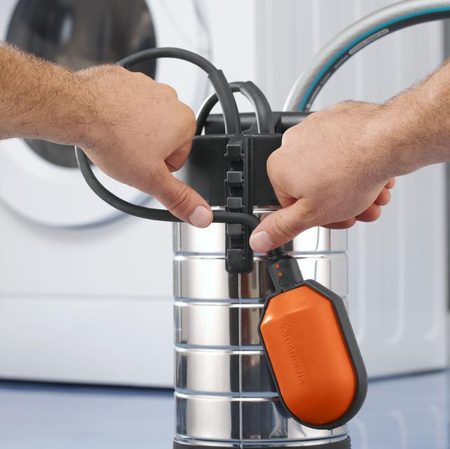 Насос дренажный для чистой воды Gardena 21000 Inox Premium регулировка уровня включения выключения