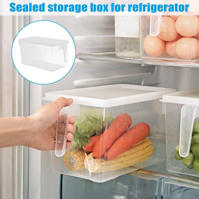 Прозорий пластиковий контейнер для зберігання продуктів у холодильнику