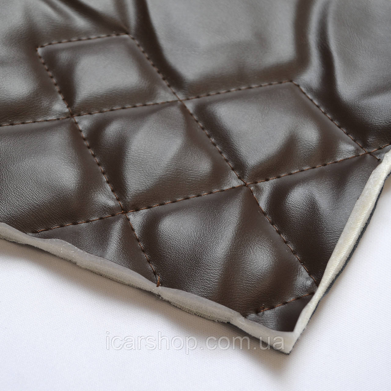 Кожзаменитель 5-12 Косой ромб / Парал.9мм / Синтепон / / п / Шоколад. (1,45м)