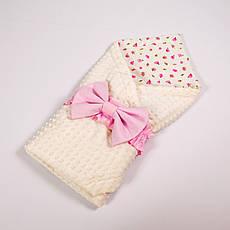 Річний конверт-ковдру на виписку BabySoon 78х85см Рожеві трояндочки з рожевим бантом на молочному плюше