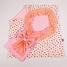 Конверт на выписку летний нежно розовый с кружевом + плед розочки с розовым плюшем BabySoon 78х85см