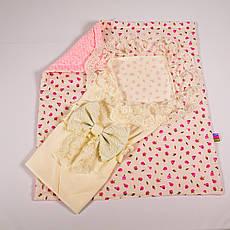 Конверт на выписку летний нежно молочный с кружевом + плед розочки с розовым плюшем BabySoon 78х85см