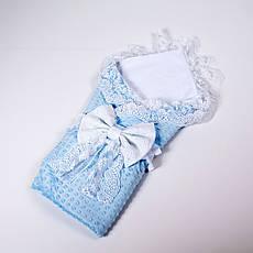 Конверт на выписку летний белый с кружевом + плед с голубым плюшем BabySoon 78х85см