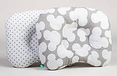 Подушка для новонароджених ортопедична BabySoon Міккі і сірий горошок 22 х 26 см (155)