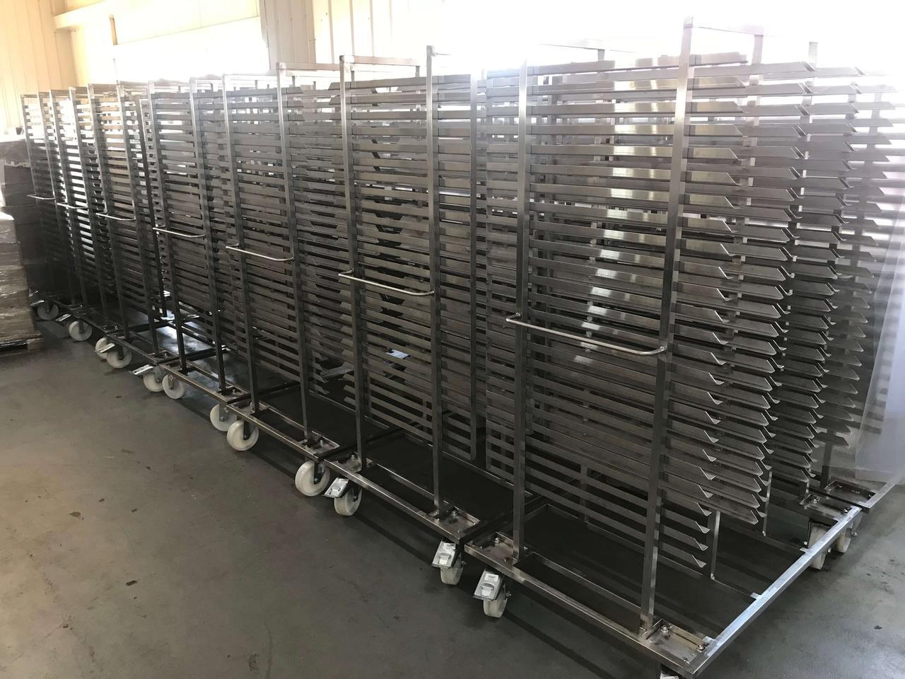 Тележки для транспортировки корпусов конфет
