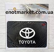 "Коврик-держатель антискользящий липкий на торпеду автомобиля c логотипом ""TOYOTA"" для телефона"