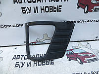 Рамка указателя поворота левого Mercedes 207-410 (1977-1995) OE:6018890063
