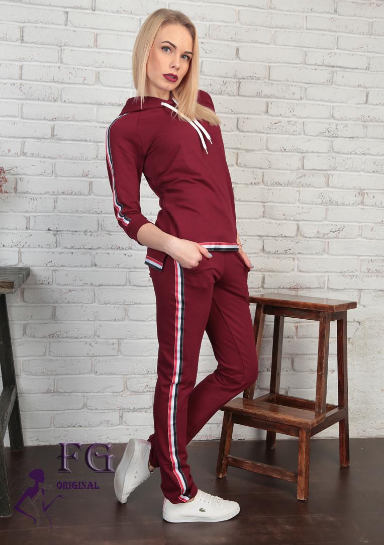 Спортивный женский костюм Osteen