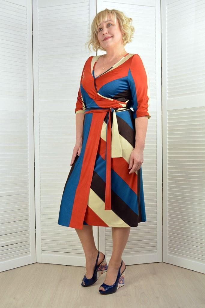 Платье на запах в полоску - Модель 1764 - 50 размер