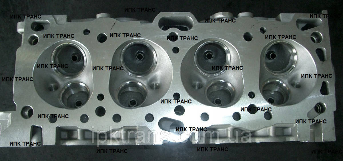 Головка блока цилиндров двигателя Mitsubishi 4G64  MD173282