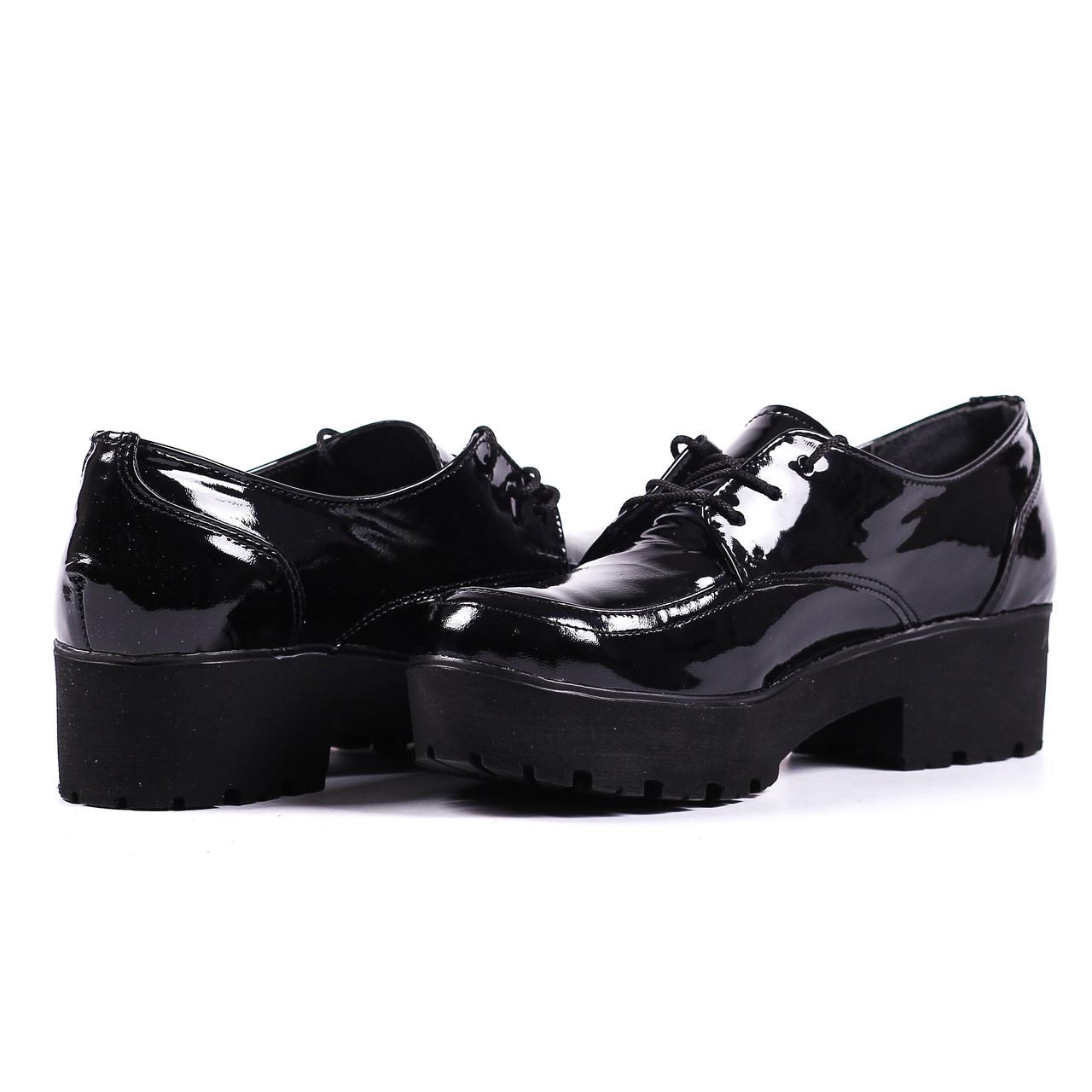 Туфли лаковые кожаные черные на шнурки