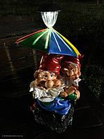 """Садовая фигура """"Гномики под зонтом  (с фонарём)"""" Н-70см"""