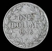Монета Либерии 1 доллар 1975 г.