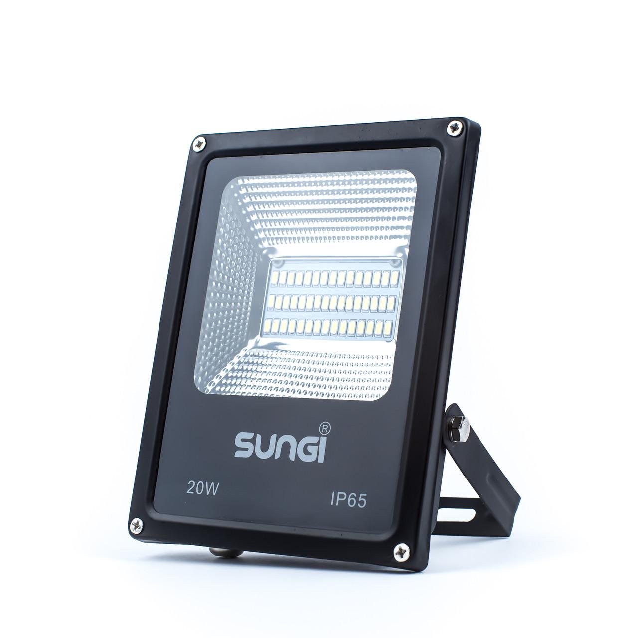 Светодиодный прожектор уличный 20W 6500K Sungi