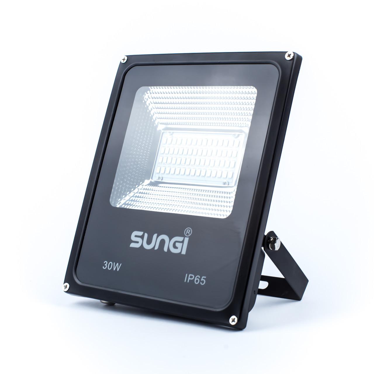 Светодиодный уличный прожектор 30W 6500K Sungi