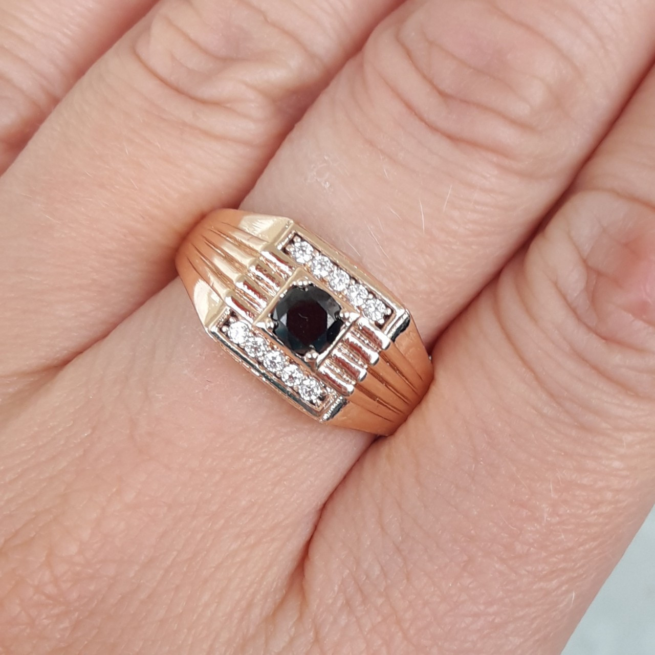 Перстень xuping 20,21,22р высота 1см печатка мужская м415