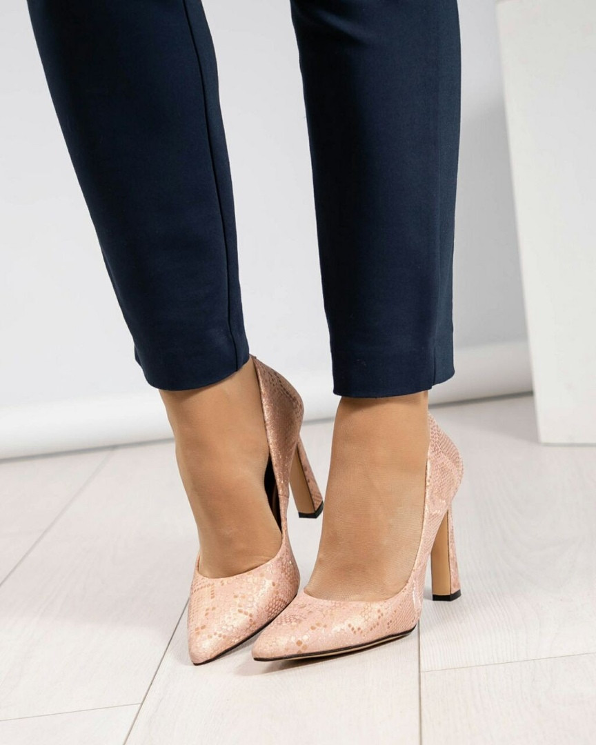 Туфли на высоком каблуке пудра