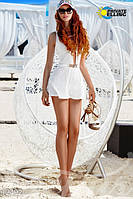 Женский комбинезон шортиками без рукавов впереди на груди длинный вырез фактурный трикотаж