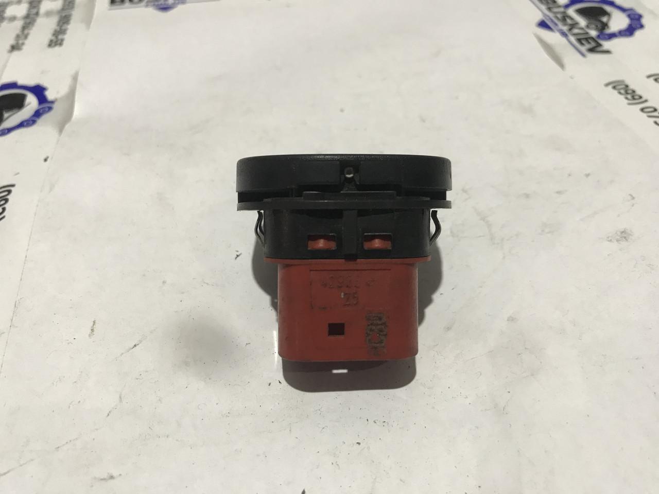 Кнопка стеклоподъемника передняя правая Ford Transit Connect 2001-2012 96FG-14529-AB