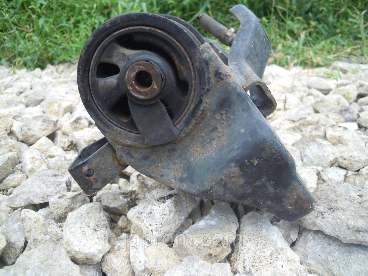 Подушка (опора) двигателя КПП верхняя Mazda 626 GF 1997-2002г.в.
