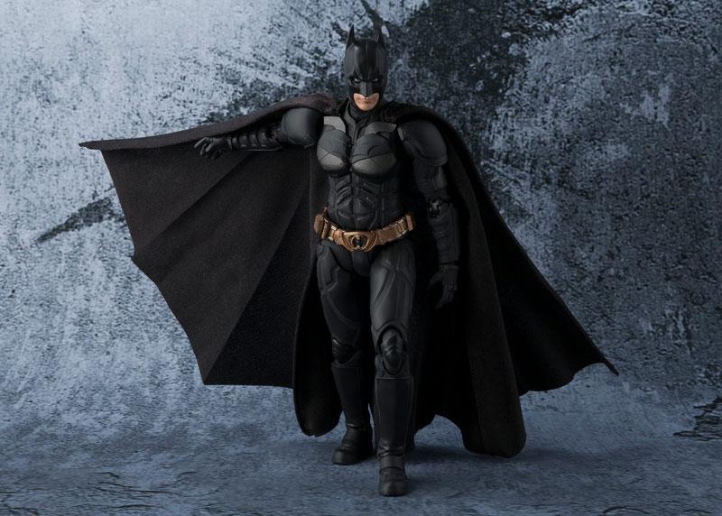 Бетмен Темний лицар - фігурка S. H. Figuarts