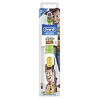 Детская Oral-B Disney История Игрушек Электрическая Зубная щетка на батарейках Extra Soft Экста